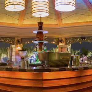 the shore - Atlantis The Palm dubai - Luxury dubai honeymoon packages