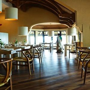 Luxury Mauritius Honeymoon Packages - Lux* Belle Mare - Amari by Vineet restaurant2
