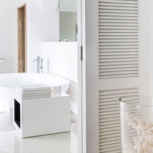 Luxury Mauritius Honeymoon Packages - Lux* Belle Mare - Honeymoon suite bathroom1