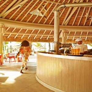 Luxury Mauritius Honeymoon Packages - Lux* Belle Mare - K Bar