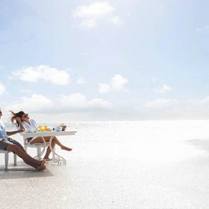 Luxury Mauritius Honeymoon Packages - Lux* Belle Mare - Sandbank dining