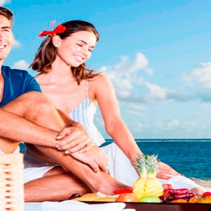 Maradiva Villas Resort & Spa - Luxury Mauritius Honeymoon Packages - Beach Picnic