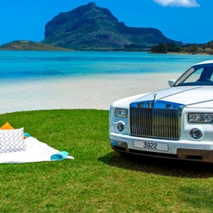 Maradiva Villas Resort & Spa - Luxury Mauritius Honeymoon Packages - Beach Picnic1