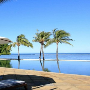 Maradiva Villas Resort & Spa - Luxury Mauritius Honeymoon Packages - Infinity pool