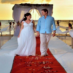 Maradiva Villas Resort & Spa - Luxury Mauritius Honeymoon Packages - Jetty wedding