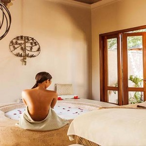 Maradiva Villas Resort & Spa - Luxury Mauritius Honeymoon Packages - Spa couple treatment room