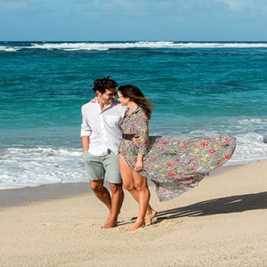 Mauritius Honeymoon Packages Shandrani Beachcomber Resort & Spa Couple On The Beach