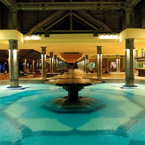 Mauritius Honeymoon Packages Shandrani Beachcomber Resort & Spa Exterior Fountain