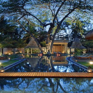 Mauritius Honeymoon Packages Shandrani Beachcomber Resort & Spa Spa Exterior At Night