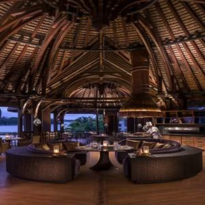 Mauritius Honeymoon Packages Shangri La's Le Touessrok Resort And Spa Safran Restaurant At Night