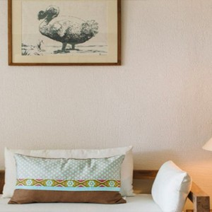 Paradise Cove - Luxury Mauritius Honeymoon Packages - Club Junior suites bedroom1