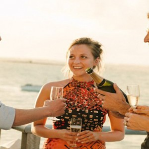 Paradise Cove - Luxury Mauritius Honeymoon Packages - champagne dining