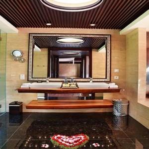 Amarterra Villas Bali Nusa Dua - Luxury Bali Honeymoon Packages - One bedroom villa exterior bathroom