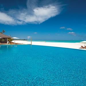 Atmosphere Kanifushi - Luxury Maldives Honeymoon Packages - Infinity pool