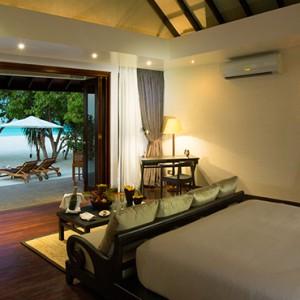 Atmosphere Kanifushi - Luxury Maldives Honeymoon Packages - Sunset Junior Suites interior
