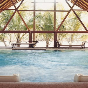 COMO Cocoa island - Luxury Maldives Honeymoon Packages - Hydrotherapy pool