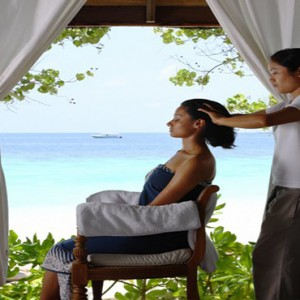 COMO Cocoa island - Luxury Maldives Honeymoon Packages - Indian Head massage