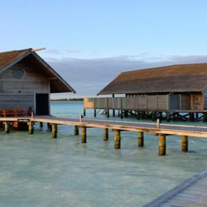 COMO Cocoa island - Luxury Maldives Honeymoon Packages - Loft villa walkway