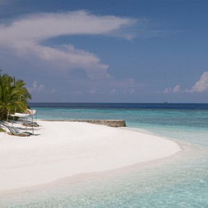 Coco Bodu Hithi - Luxury Maldives Honeymoon Packages - Beach