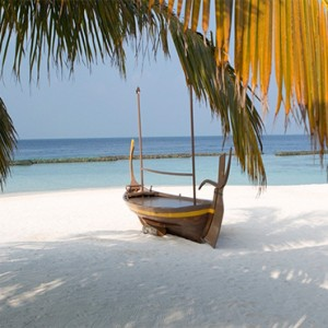 Coco Bodu Hithi - Luxury Maldives Honeymoon Packages - Dhoni boat