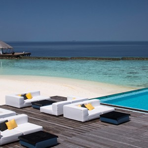 Coco Bodu Hithi - Luxury Maldives Honeymoon Packages - Latitude Restaurant
