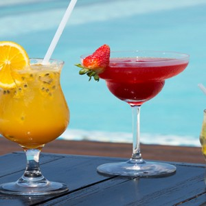 Coco Bodu Hithi - Luxury Maldives Honeymoon Packages - Latitude cocktails