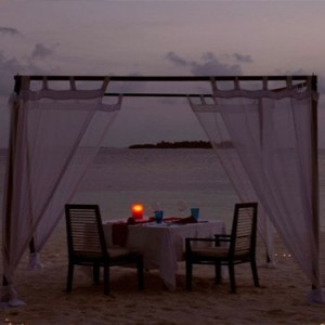 Coco Bodu Hithi - Luxury Maldives Honeymoon Packages - private dining