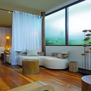 Constance Moofushi - Luxury Maldives Honeymoon Packages - Spa lounge
