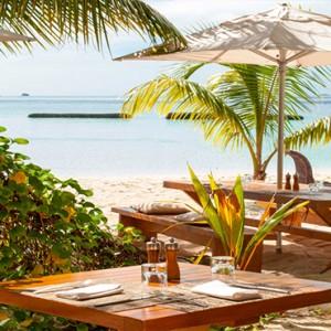 Constance Moofushi - Luxury Maldives Honeymoon Packages - Totem bar