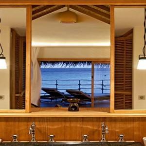 Constance Moofushi - Luxury Maldives Honeymoon Packages - Water Villa Bathroom