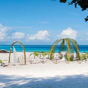 Constance Moofushi - Luxury Maldives Honeymoon Packages - Wedding setup