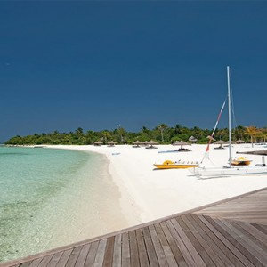 Constance Moofushi - Luxury Maldives Honeymoon Packages - beach activities