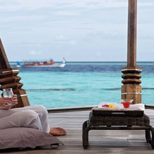 Constance Moofushi - Luxury Maldives Honeymoon Packages - spa relax1