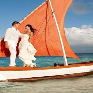 Constance Moofushi - Luxury Maldives Honeymoon Packages - wedding1