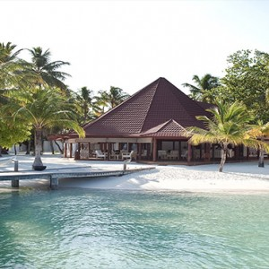 Diamonds Athuruga - Luxury Maldives Honeymoon Packages - Beach villas