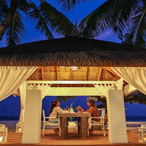 Diamonds Athuruga - Luxury Maldives Honeymoon Packages - Farivalhu Maldivian Restaurant