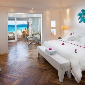 Diamonds Athuruga - Luxury Maldives Honeymoon Packages - Junior Suite