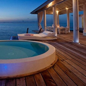 Diamonds Athuruga - Luxury Maldives Honeymoon Packages - Two Bedroom Water Villa pool tub