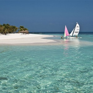 Diamonds Athuruga - Luxury Maldives Honeymoon Packages - Watersport activities