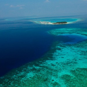 Diamonds Athuruga - Luxury Maldives Honeymoon Packages - aerial view