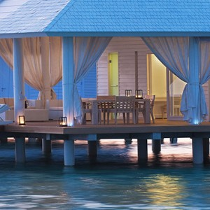 Diamonds Athuruga - Luxury Maldives Honeymoon Packages - overwater villa
