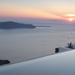 Greece Honeymoon Packages Grace Santorini Pool 2