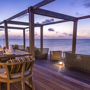 Hurawalhi Island - Luxury Maldives Honeymoon Packages - Aquarium Restaurant and Bar