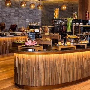 Hurawalhi Island - Luxury Maldives Honeymoon Packages - Canneli restaurant