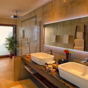 Hurawalhi Island - Luxury Maldives Honeymoon Packages - Ocean Pool Villas bathroom