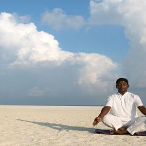 Hurawalhi Island - Luxury Maldives Honeymoon Packages - Yoga