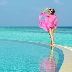 Hurawalhi Island - Luxury Maldives Honeymoon Packages - coco pool