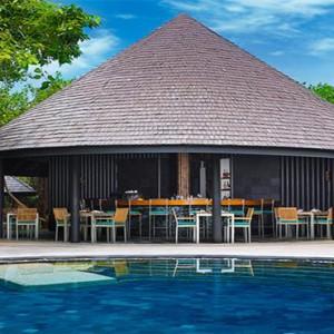 JA Manafaru - Luxury Maldives Honeymoon Packages - Andiamo Bistro and pool