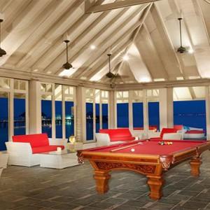JA Manafaru - Luxury Maldives honeymoon packages - Horizon lounge indoor