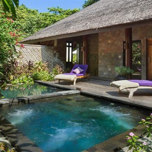 JA Manafaru - Luxury Maldives honeymoon packages - salon relaxation area